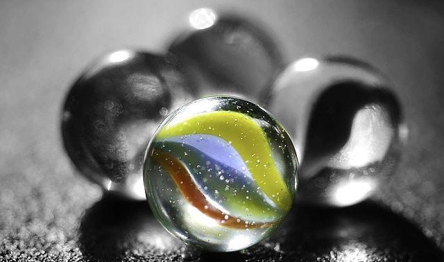 ラッキーアイテム「ビー玉」の画像