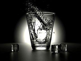 ラッキーアイテム「グラス」の画像