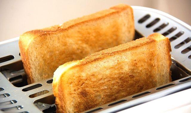 今日のラッキーアイテム「食パン」
