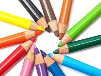 ラッキーアイテム「色鉛筆」の画像