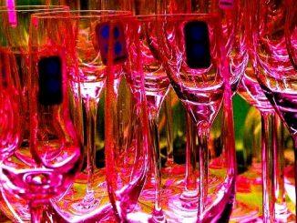 今日のラッキーアイテム「シャンパングラス」