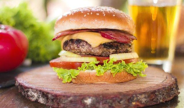 今日のラッキーアイテム「ハンバーガー」