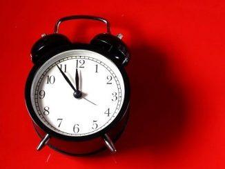 今日のラッキーアイテム「めざまし時計」