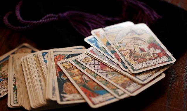 今日のラッキーアイテム「タロットカード」